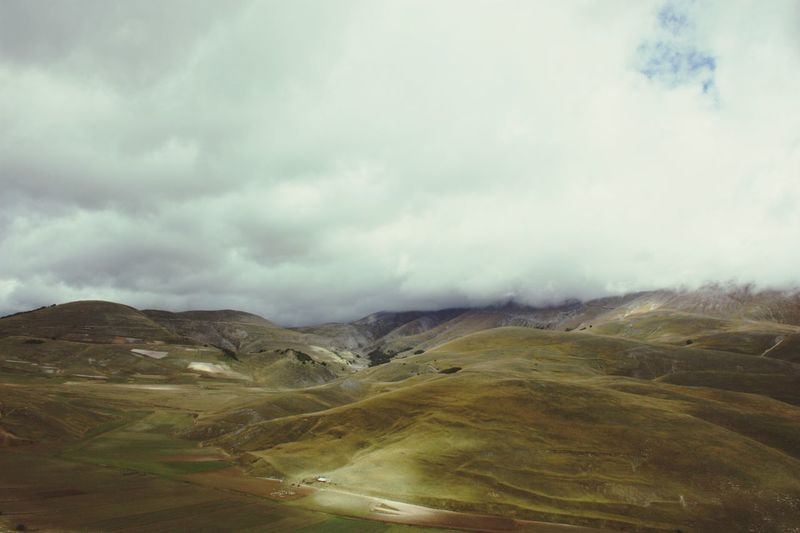 Italy Traveling Sky And Clouds Nature Mountains Castelluccio