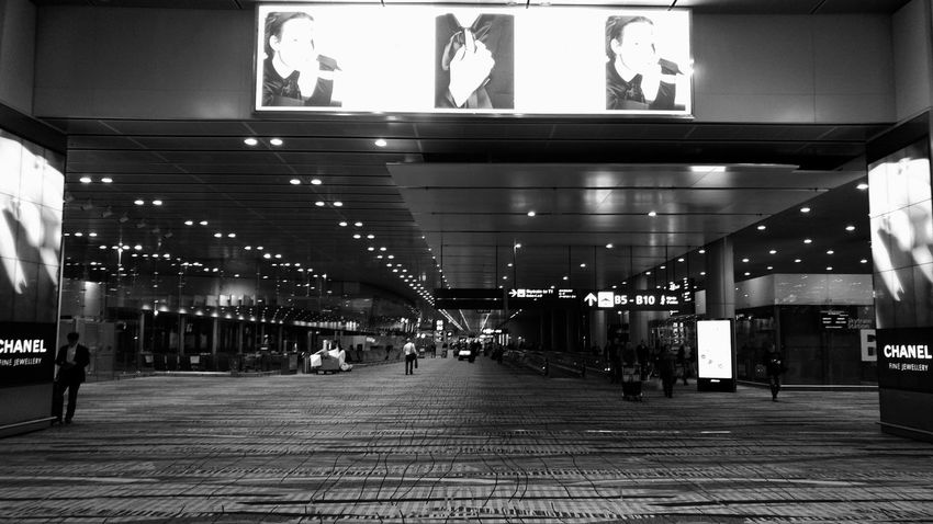Here we go again. A very good morning. Time to hustle. Airport Blackandwhite LGV10 Lgv10photography Hustle