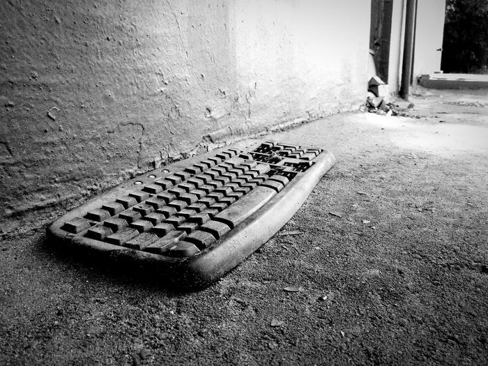 Past Old Blackandwhite Black And White Black & White Blackandwhite Photography Keyboard Old Keyboard старое старая клавиатура клавиатура Keyboard On The Street Keyboard On The Ground