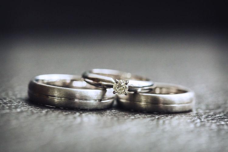 wedding ring for couple Wedding Ceremony Two Objects Wedding Vows Engagement Ring Engagement Brushed Metal Wedding Ring Oath Alloy Groom Jewellery Civil Partnership Finger Ring Newlywed Jewelry Box Bride Bridegroom Ceremony
