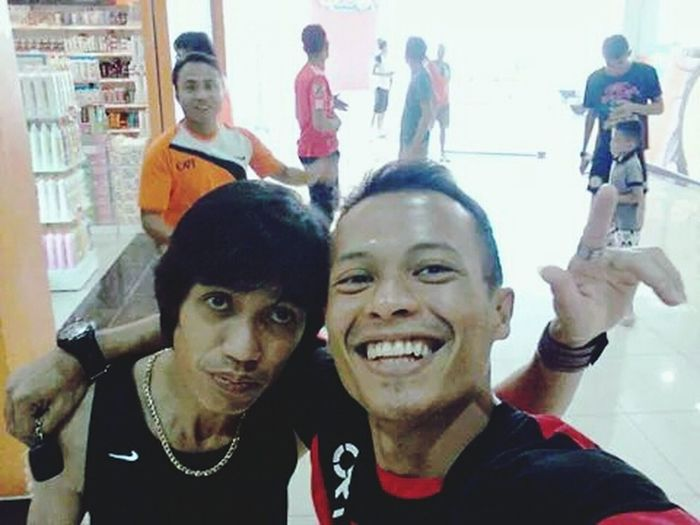 Selfie with teammate.. Meeting Friends Relaxing Quality Time Hello World