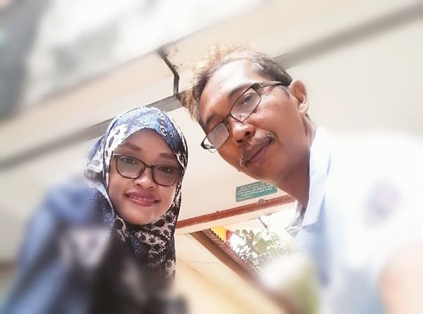 Two People Eyeglasses  Togetherness People Emotions Captured Emotions In A Picture Fokus Object Real People Selective Focus Looking At Camera