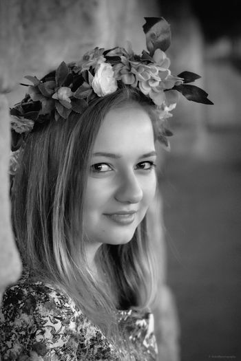 Portrait Photography Alex EyeEm Gallery Beautiful Schön Blumenkranz Blumen Fotografie Canonphotography Flower Portrait Outdoor Canon Girl People Photography Canon70d Menschen Portrait Blackandwhite Photography Black And White Portrait Black & White Photography Black And White Collection  Check This Out The Portraitist - 2016 EyeEm Awards