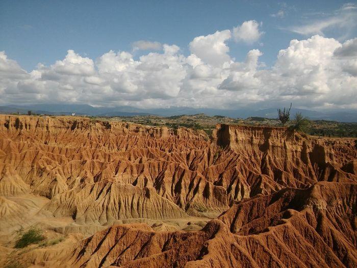 Tatacoa Desert. Desert Sky Cloud - Sky Redmountains Top Of The Mountains Heat Amazingplacetovisit Nature Landscape Sunlight ☀ Nofilternoedit