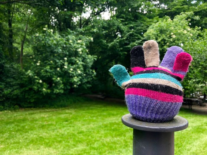 I often find woolen gloves while having a walk in the park. Even in May, - 28° Green Lost And Found May Volkspark Friedrichshain A Walk In The Park Confusing Expect The Unexpected  Glove Multicolored On My Way Wool