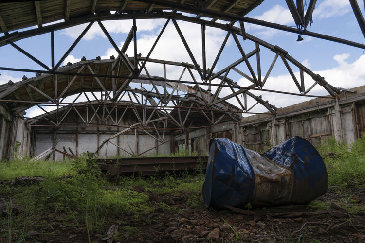 Abandoned train against sky