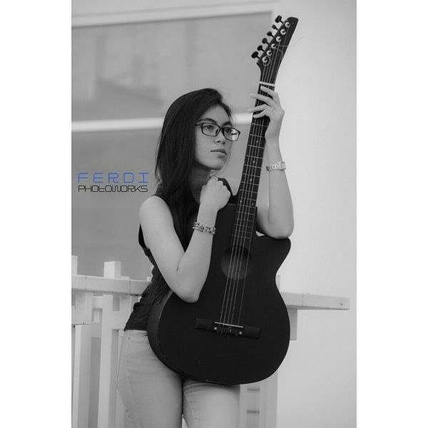 Huntingphoto Blackwhite Camera Canon photograferguitaralayasexythanks by @ferdiphotoworks