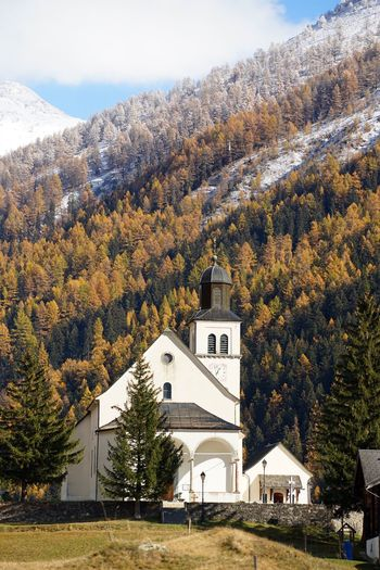 Architecture Tree Religion Nature Built Structure Building Exterior Mountain Beauty In Nature Scenics Nature_collection Landscape_Collection Landscape_photography Autumn Colors Autumn Church Larch Tree Schweiz Switzerland Wallis Goms EyeEm Best Shots - Landscape EyeEm Masterclass Snow