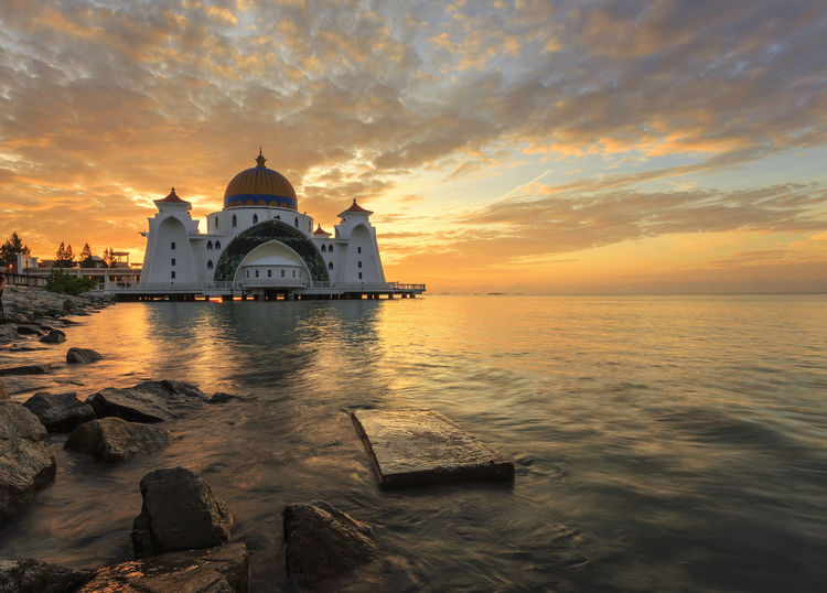 Sunrise street mosque Melaka, Malaysia Architecture ASIA Beauty In Nature Building Built Structure Cloud - Sky Cloudy Eiduladha Eidulfitri Malacca Malaysia Masjid Selat Melaka Mosque Nature Orange Color Outdoors Ramadhan Scenics Sky Sunset Tourism Tranquil Scene Travel Destinations Water