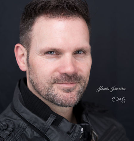 Headshot 2018 Love Time Self Portrait Light And Shadow Ggaßler Hello World Time To Reflect Sony Zeiss Photography Portrait Portrait Only Men One Man Only Headshot Looking At Camera Adults Only Adult Front View Black Background Studio Shot Human Face Men Smiling Close-up
