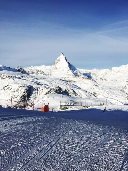 Snow Cold Temperature Winter Nature Mountain Blue Scenics Sky Outdoors Beauty In Nature Tranquil Scene Landscape Day Tranquility No People Zermatt Skiing 🎿