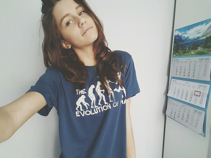One Person Waist Up One Young Woman Only Tshirt Darkblonde Blue Wavy Hair Self Portrait First Eyeem Photo