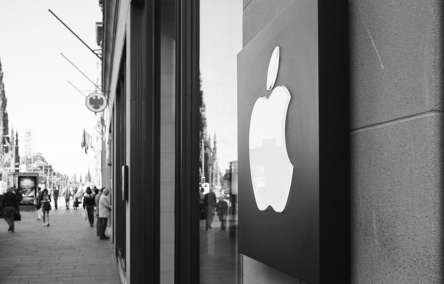 Logo Apple Apple Store Applestore Architecture At Apple Store Black Blackandwhite City Life Dark Edinburgh Fuji X100s FUJIFILM X100S Glass Glass - Material Hanging Home Interior Illuminated Indoors  Leading Light Lighting Equipment Monochrome Narrow Night Princes Street Scotland The Way Forward Transparent Urban VSCO Vscofilm Window Women X100S