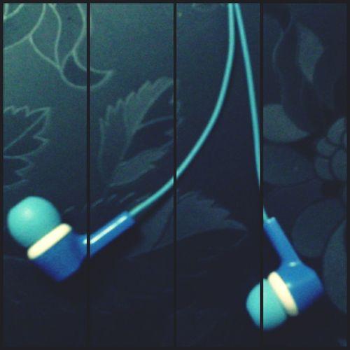 Everything blue.... Myearphones Bluecolor EyeEM Photos Collage App EyeEm Edits Myclicks