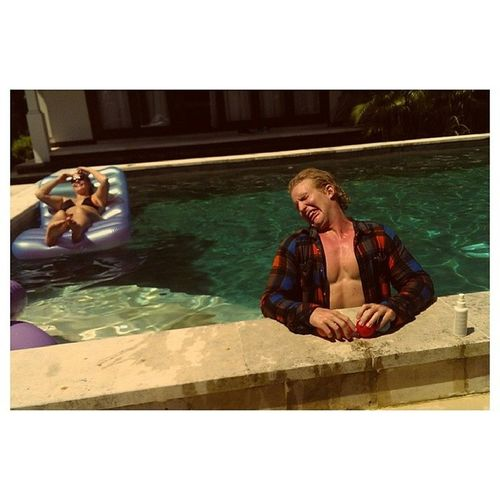 @eivindbanan koser seg i bassenget Livingthegoodlife ?