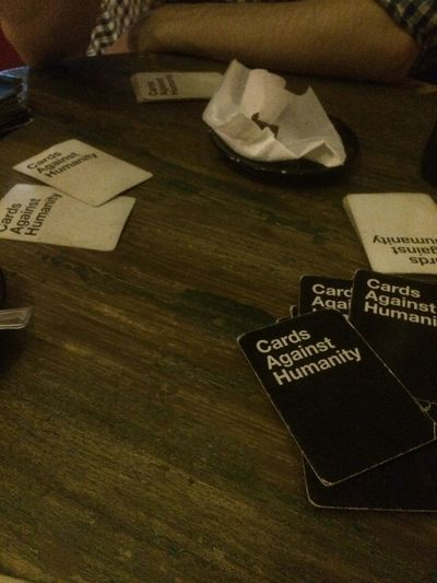 Cards against humanity Table Cardsagainsthumanity Friend Play Cards