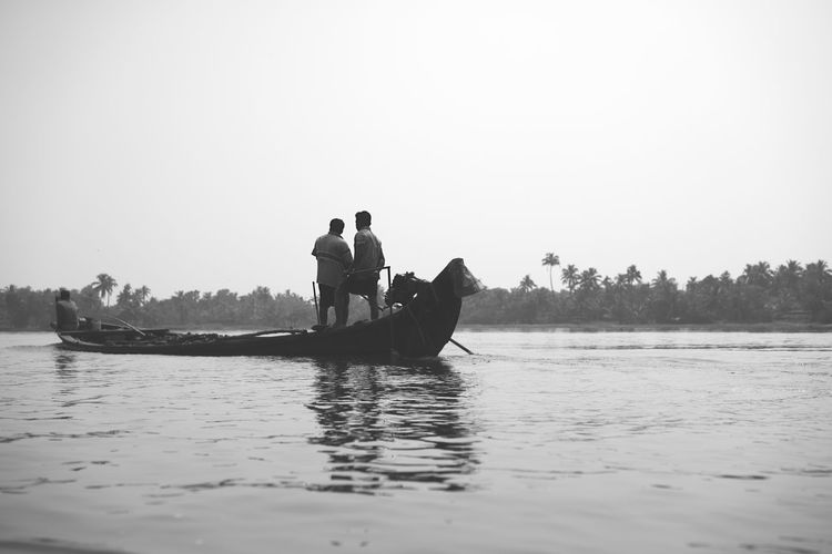Alleppey Backwaters BackwatersView Black And White Street Photography Canoe Canoeing India Indian Street Photography Alappuzha Alleppey Backwaters Backwaters Of Kerala Backwatersofkerala Black And White Black And White Photography Canoe And Water Canoe Paddling Kerala Kerala India Nature Outdoors Rowboat Street Photography India Street Scenes Of India