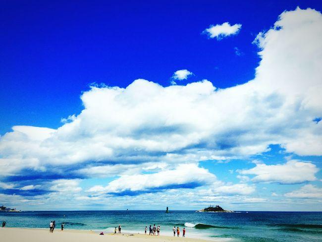 Serendipity Summer2015 Seaside Nature Sky Clouds And Sky Trip Wikipedia Great View Lanscape 속초 해수욕장.. 태풍이 끝나는 곳.. 아름다운 구름너머 새파란 하늘.. 마음에 든 파란 멍 처럼 슬프듯 아름답가..