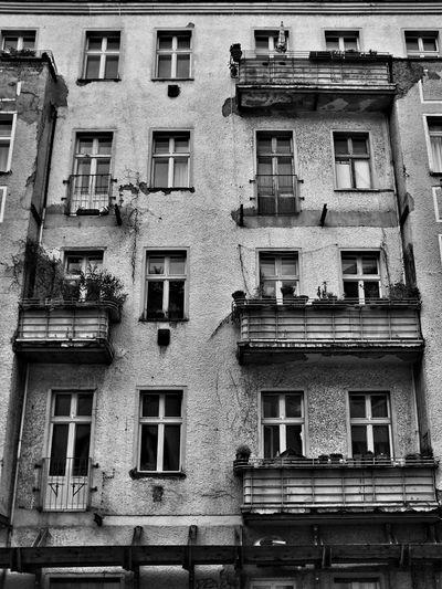Blackandwhite Urban Decay Broken Down Berlin Mitte wo ist mein Balkon ?! Altbau