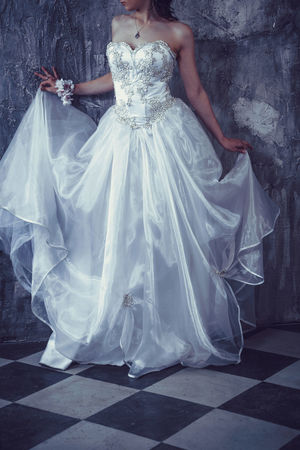 Adult Bride Celebration Day Dress Elégance Evening Gown Formalwear Full Length One Person Outdoors People Real People Wedding Wedding Dress Women Young Adult Young Women