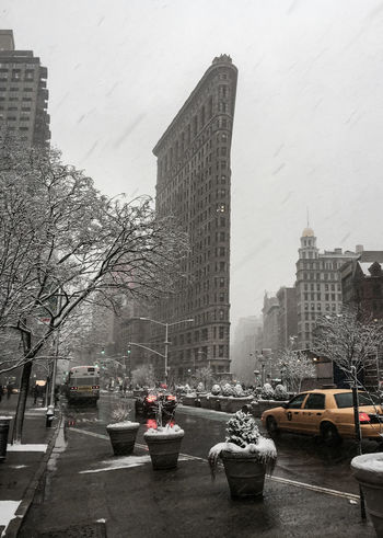 Spring 2015 Snow ❄ Flat Iron Building NYC Timyoungiphoneography