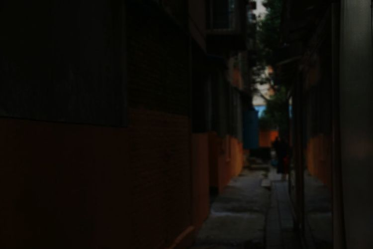 Dark Cellar Alley Night Built Structure City Building Exterior Indoors  Architecture No People Illuminated