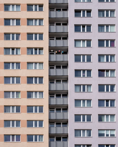 Archiview Architecture Day Ralfpollack_fotografie Fujix_berlin Minimalist Photography  Minimalism Built Structure Building Exterior Building Full Frame City Backgrounds No People Residential District Balcony Repetition Pattern Outdoors Tall - High Clean Apartment In A Row Modern