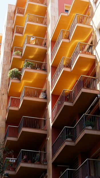 figueres Balcony Bulding Architecture_collection Architectural Detail Architecturelovers Architectureporn Figueres SPAIN Apartment Modern Staircase Architecture Residential Structure The Architect - 2018 EyeEm Awards