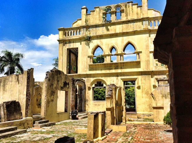 History Outdoors Archival Architecture Arch Building Exterior No People Travel Destinations Façade Built Structure Kellie's Castle Malaysia Neighborhood Map