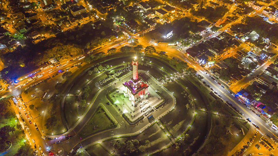 Monumento a los Héroes de la Restauracion Stgo Monument Night Drone  Nice Nature Collection Light Illuminated Day Real People Water Nature First Eyeem Photo