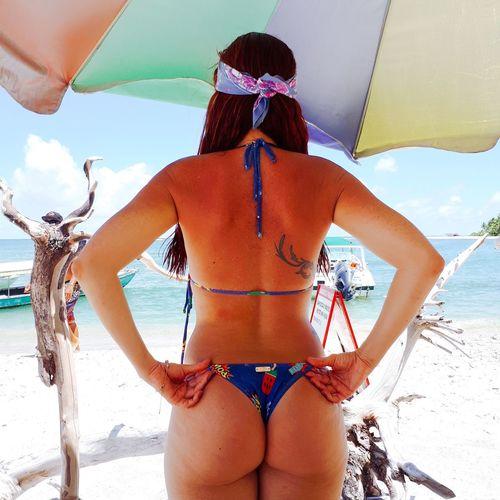 Na praia dos Castelhanos Beach Travel Destinations Travel Sun Summer Summer Days 😁💕🌻☁ Mulher Brasileira Ilha Brasil Brazil Island Summer ☀ Only Women Rear View One Woman Only Beach Adults Only Bikini One Person Adult People