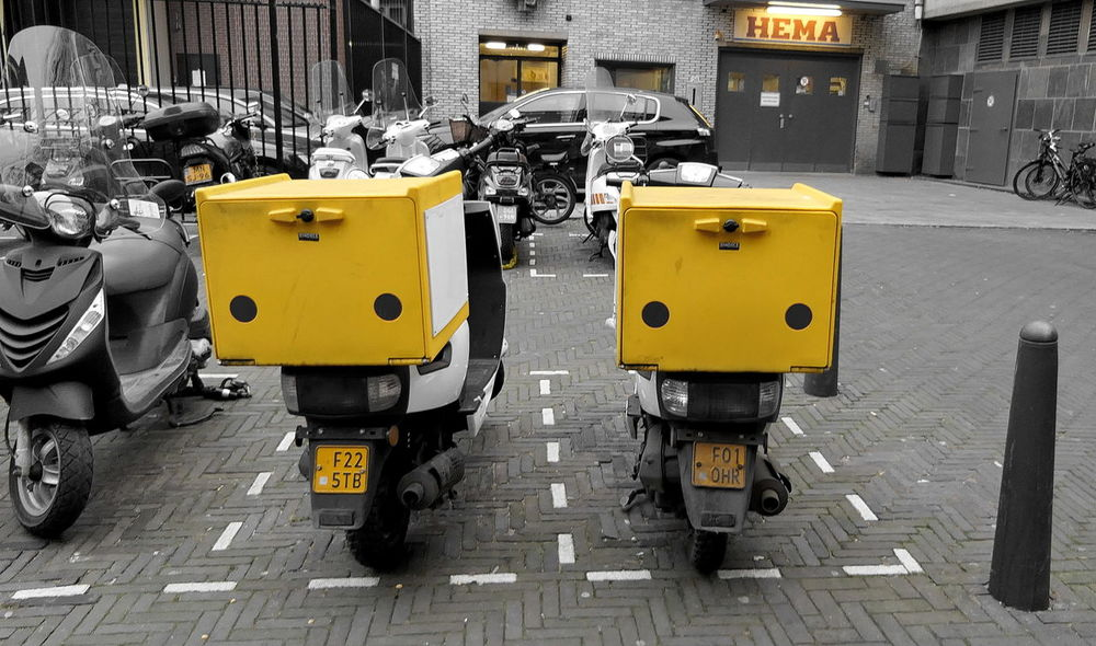 no delivery at the moment! ACDSee City Day Delivery Delivery Food Delivery Service Den Haag, Netherlands Mopeds Mopeds Lined Up No People Outdoors Parked Pizza Delivery Scooters Street Street Photography Streetphotography Yellow