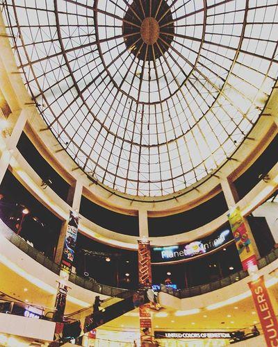 Mall world! 🔶🔷🔺🔻⚫⚪⬛⬜◼◻◾◽◽▪ . . . Malllife Mallworld Mall Architecture Lookup Things2doinmumbai Mumbaiinstagrammers Mumbai_lifestyle Mymumbai Somumbai MumbaiDiaries Mumbai Infiniti Mumbai_uncensored Mumbai_igers