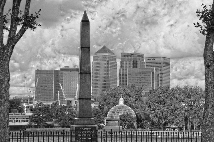 Architecture Building Exterior Built Structure Canary Wharf Capital Cities  City Greenwich London Modern Architecture Bellot Memorial Greenwich Foot Tunnel River Thames Skyscraper Tall Thames HDR Hdr_Collection Black And White Monochrome Beautiful View Sky And Clouds Sky Canon Eos 350d Fine Art Photography