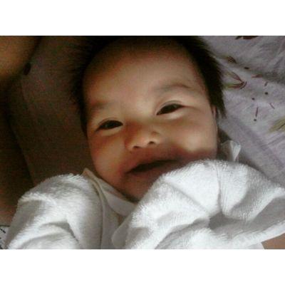 happy kiddo :) at dahil malandi ako . landian kami together. hahaha Bunsuan Cuuute