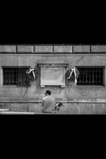 Look! where?! Street Photo Street Photography Black & White