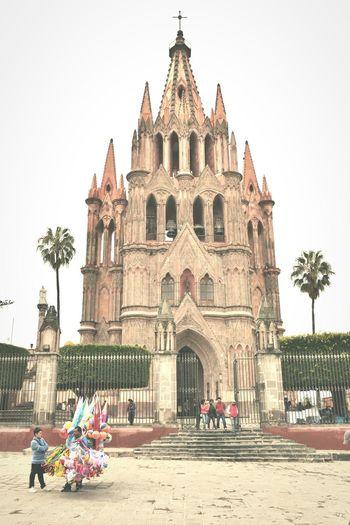 San Miguel De Allende Parroquia De San Miguel Arcangel Hello World Hanging Out Enjoying Life Mexico