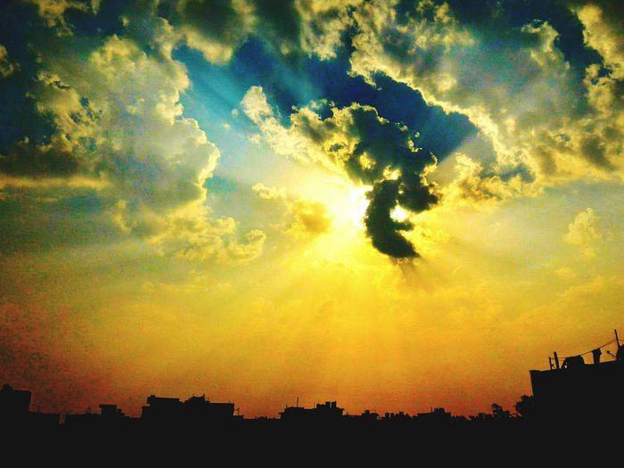 Sun ☀ Sunshine Sun Power Sky Sky And Clouds Sunlight Sun Behind Clouds Sun Beams Sunset #sun #clouds #skylovers #sky #nature #beautifulinnature #naturalbeauty #photography #landscape Contrast Sun And City