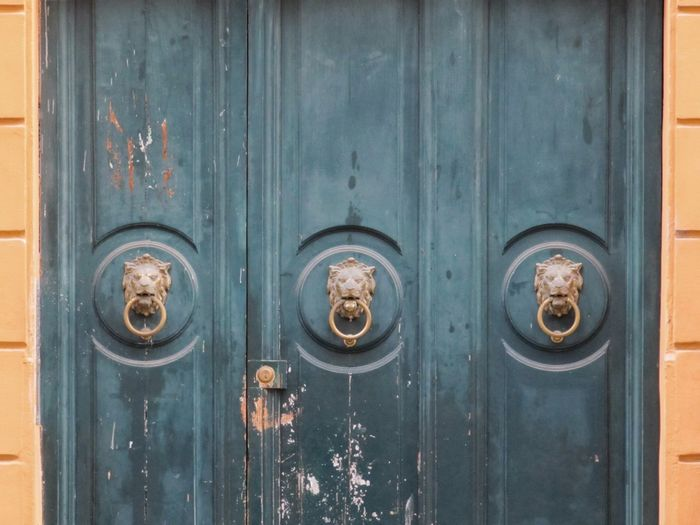 EyeEm Selects Door Closed Wood - Material Old-fashioned Full Frame Close-up Day Ornate No People Backgrounds Doorknocker Italy Italia Rome Roma Rustic Style Abandoned Your Ticket To Europe