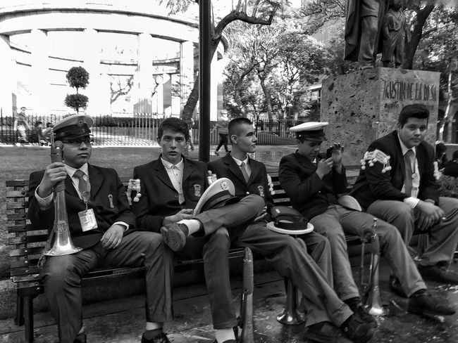 The band is resting Streetphotography Blackandwhite Street Photography Streetphoto Black & White Monochrome Streetphoto_bw NEM Submissions NEM Black&white NEM Street