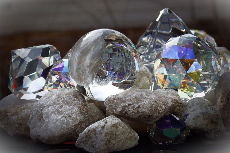 Q Quartz Quartz Quartz Crystal Crystal Rocks Sparkles Sparkly Clear Translucent Translucent And Opaque Spectrum Electromagnetic Electromagnetic Waves Light Diffraction Diffraction Vignette Backyard Composition Q Quantum Diffraction Diffusion Lensing Fraction Of Speed C Less Than Speed C Chromatic