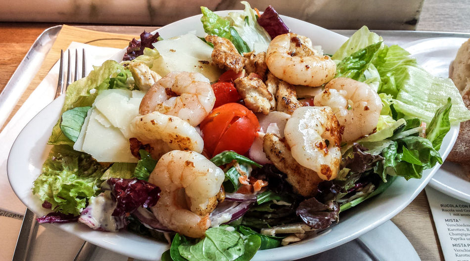 Berlin Happiness Scampi Close-up Food Food And Drink Fork Freshness Healthy Eating Healthy Lifestyle No People No Vegetarian Food Novegan Photo Photooftheday Picsoftheday Ready-to-eat Salat Seafood Serving Size Summer Tomato Vegetable