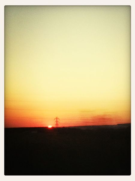 España Traveling Sunset Car