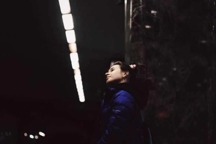 Side View One Person Young Adult Real People Young Women Indoors  Night People The Street Photographer - 2017 EyeEm Awards EyeEmNewHere