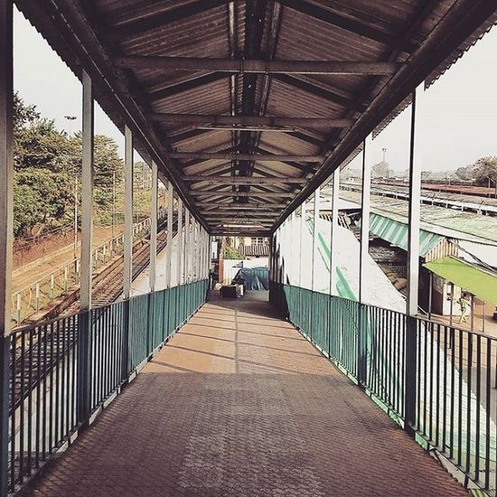 Leading lines. Clicked at New Jalpaigudi Railway station, West Bengal, India. Railway Corridor Leadinglines Photographyconcept Punephotographylovers Puneclickarts Puneinstagrammers Beautifuldestinations Betterphotography Indiapictures Indianphotosociety _soi Abstract Mobilephotography Asus Zenfone5 Photography101 Travellerslife Pictureoftheday Travel Travelphotography
