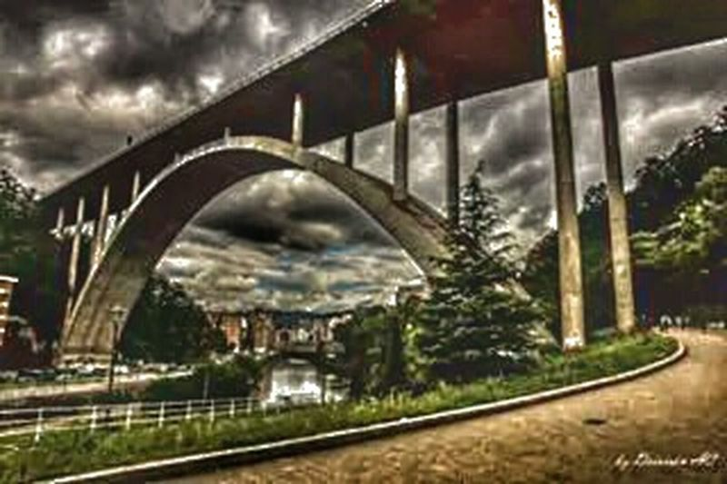 Se avecina tormenta..... EyeEm Best Shots EyeEm Best Shots - Architecture Streamzoofamily Streetphotography Sky Collection Hdr_Collection ......bajo el Puente Miraflores Bilbaostreets