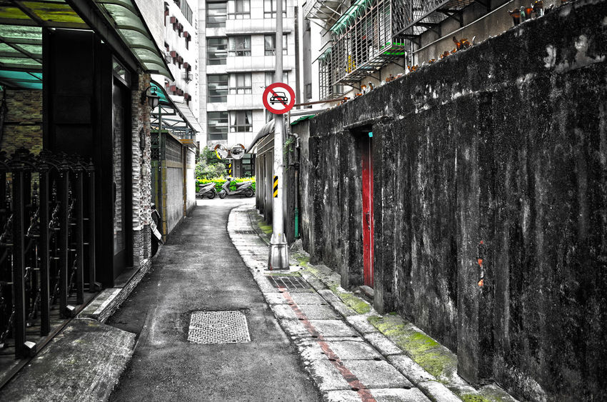 Alleyway City Explorer City Street Cityscape Diminishing Perspective Flaneur Streets Of Taipei Walking Around Wanderer