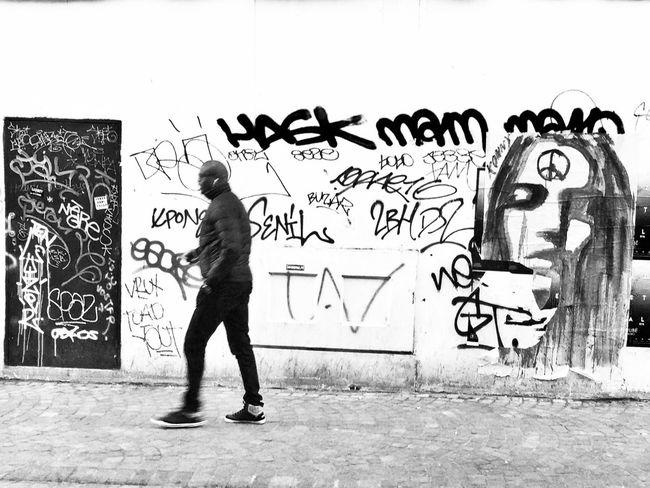 Konnie Streetphotography Streetphoto_bw EyeEm Best Shots - Black + White Blackandwhite AMPt Community