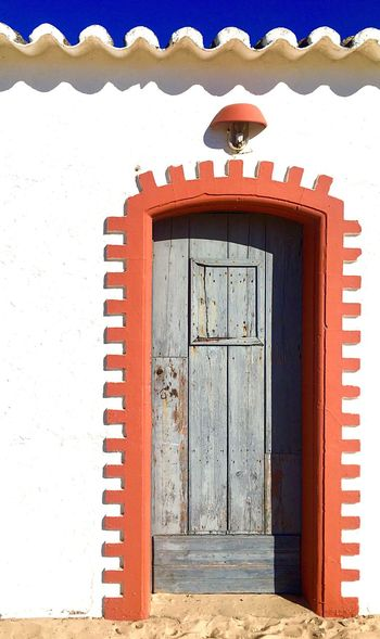 Beach house EyeEmNewHere EyeEmReady Red Doorway Day Outdoors Built Structure Door Building Exterior Architecture Entrance