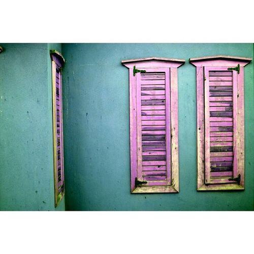 Antalya Kaleiçi Previous Konak pink green window